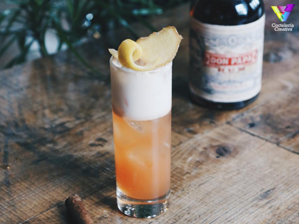 imagen cóctel The Don's Summer Fizz con botella Don Papa Rum