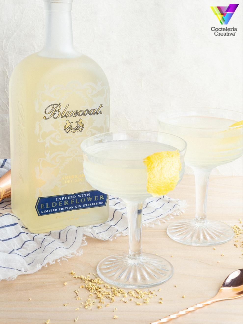 imagenh del cóctel bluecoat elderflower martini