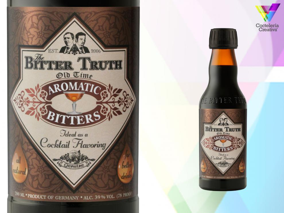 imagen de botellín de old time aromatic bitter de the bitter truth con detalle en etiqueta